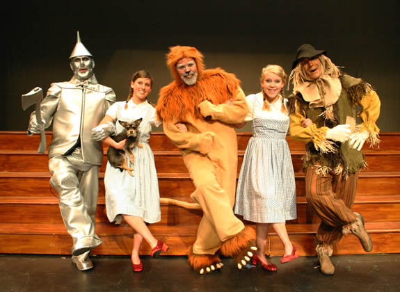 "The CATS' ""Wizard"" cast stars Steve Combs, Tori Waner, Ty Warren, Amber Carpenter and Joe Sellarole."