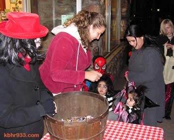Halloween09 A2 booknbean