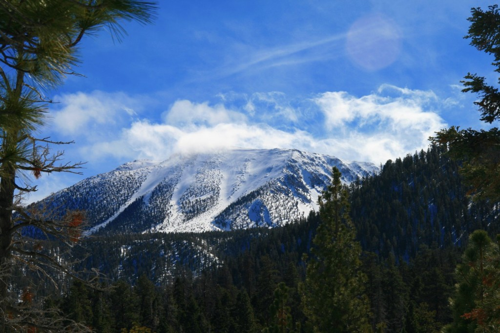San_Gorgonio,_snowcapped,_clouds